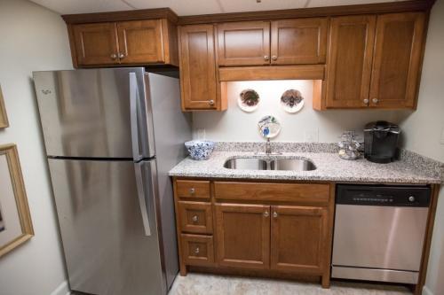 kitchen-dishwasher-refrigerator-front