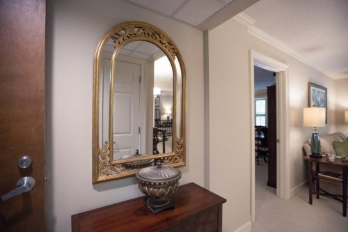 foyer-mirror